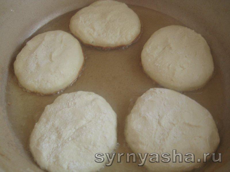 Нежные сырники без разрыхлителя теста и соды: фото 5