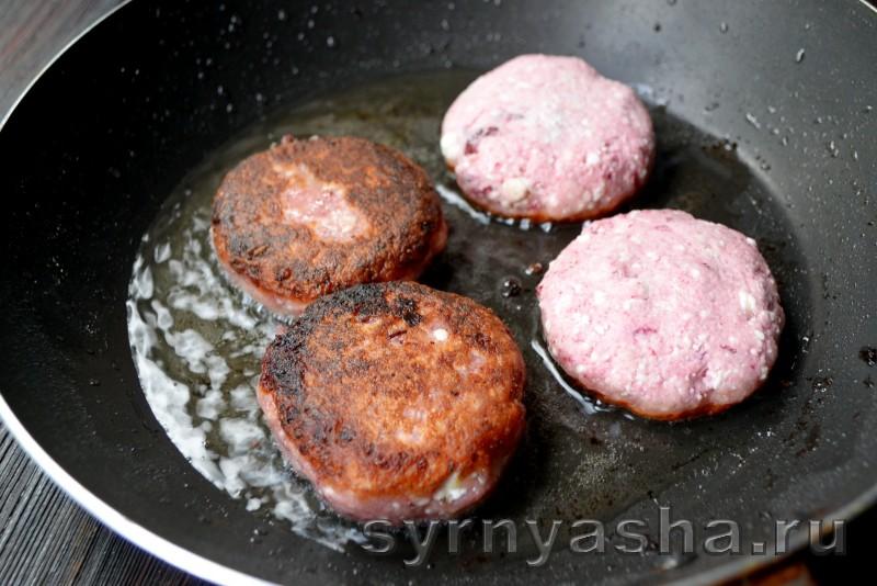 Сырники из творога с кизилом: фото 8
