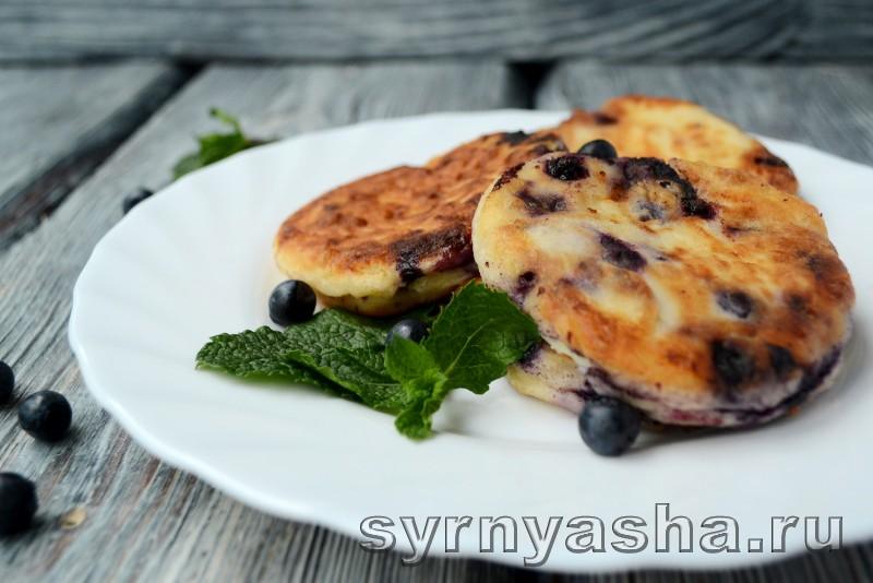 Сырники с черникой в духовке: фото 7