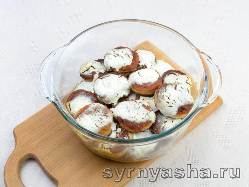 Сырники с изюмом и свежими грушами