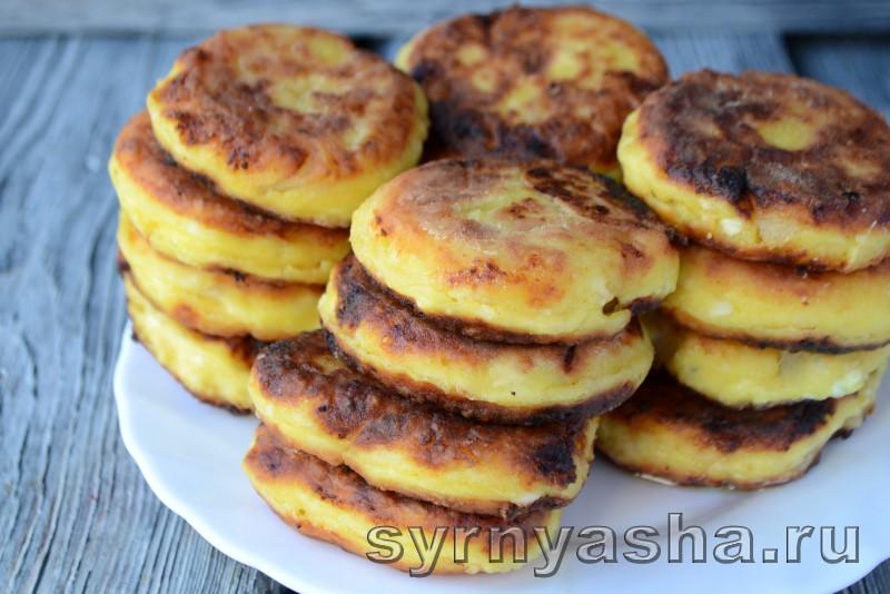 Сырники с консервированными ананасами и куркумой: фото 9