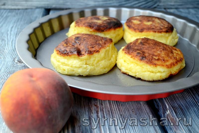 Сырники с персиковым сюрпризом в духовке: фото 11