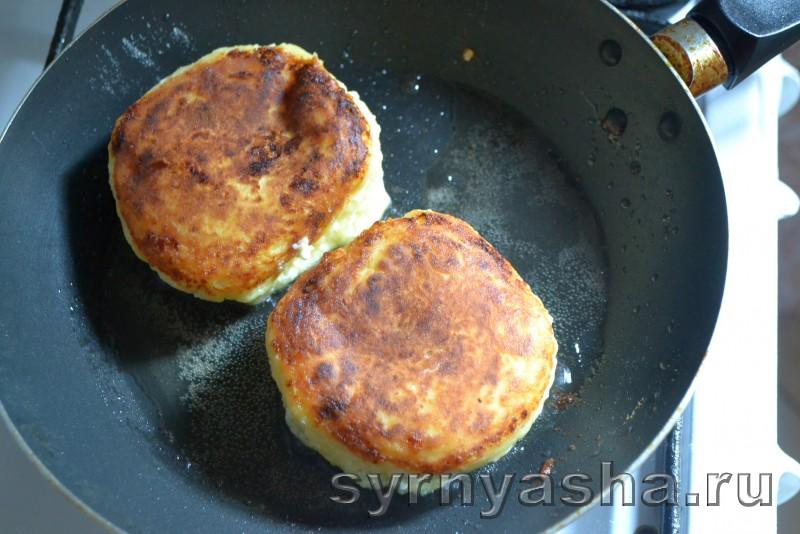 Сырники с персиковым сюрпризом в духовке: фото 8
