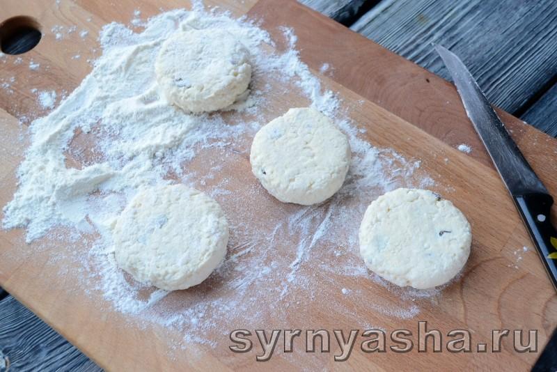 Сырники с рисом и изюмом: фото 4