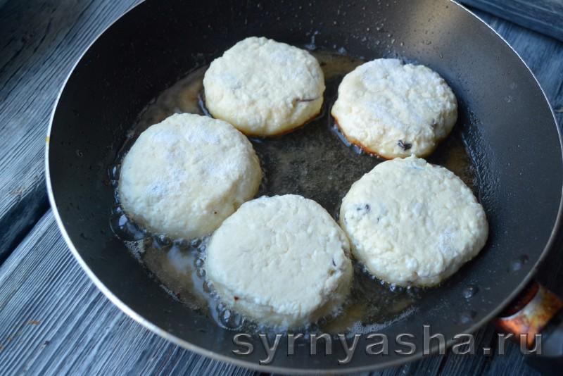 Сырники с рисом и изюмом: фото 5