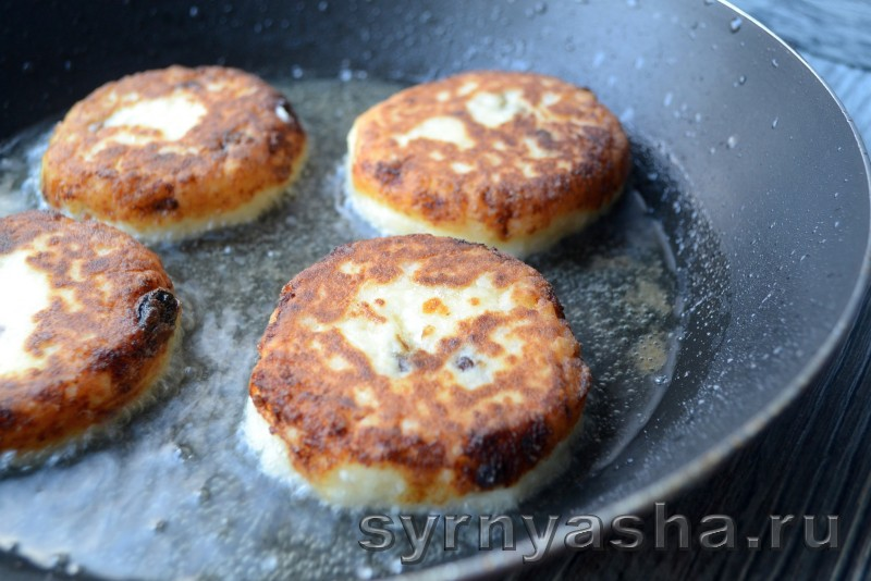 Сырники с рисом и изюмом: фото 6