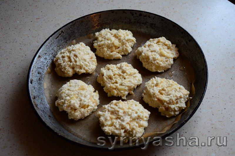 Сырники с яблоками в духовке: фото 7