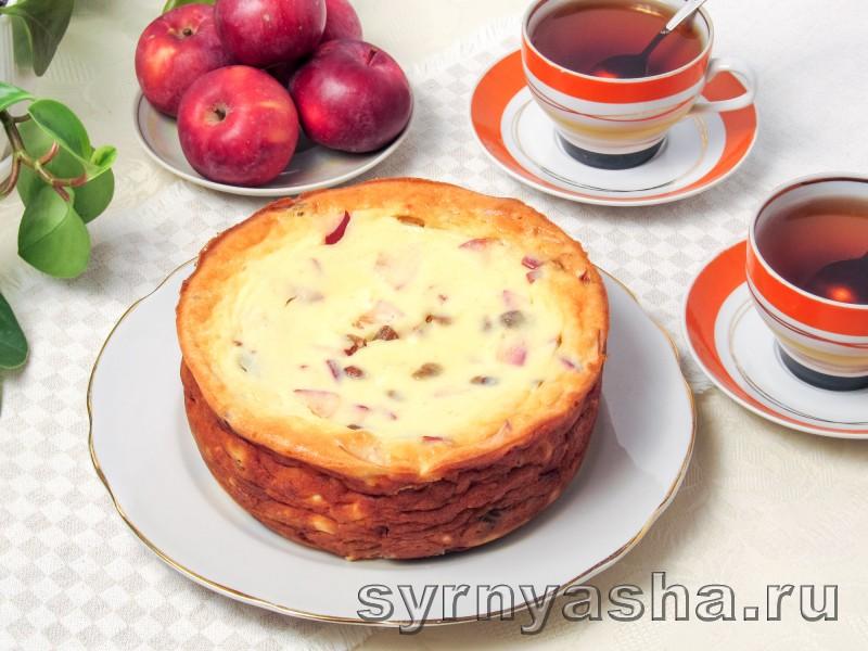 Творожная запеканка с яблоками в духовке с манкой и изюмом: фото 8