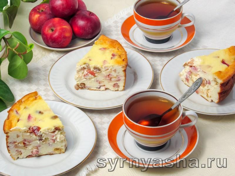 Творожная запеканка с яблоками в духовке с манкой и изюмом